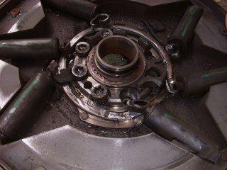 Volants moteur double qui traitent les vibrations chez Peugeot